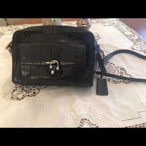 Black shoulder/crossbody purse